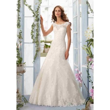 Vestido Nupcial con apliques de encaje bordados y dobladillo festoneado en un vestido de red sobre satín suave.