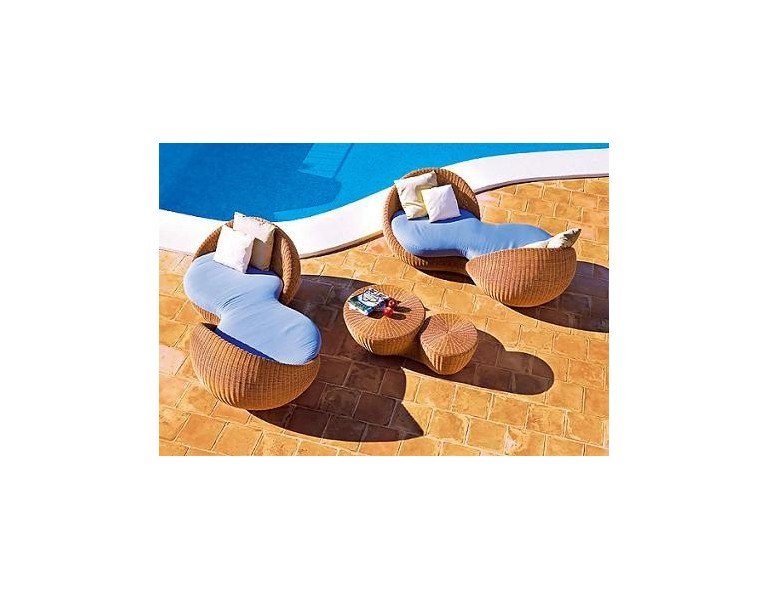 Muebles de patio en mimbre perfecto para el aire libre